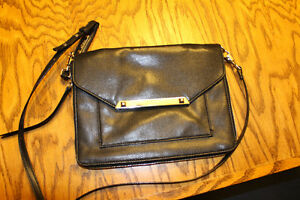 Stella and Dot Black Side Body Purse