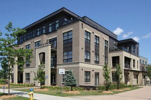 Gorgeous Penthouse at Ampersand in Barrhaven w/ 2 PARKING Spots!
