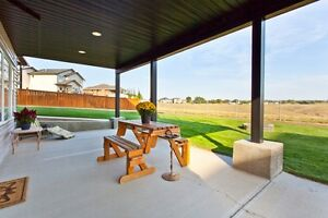 Beautiful 2 Story on Huge Lot with Coulee Views!! New Listing!!