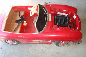 RED Mercedes Benz 300sl kids battery powered toy Kingston Kingston Area image 2