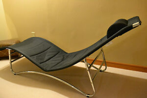 Black Lounge Chair