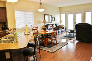 MOVE IN READY!!! DUPLEX IN RANCHLANDS - NOW 379,500