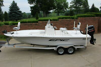 ONLY 55 HRS//2012 EPIC 22SC SPORT CONSOLE FISHING BOAT EPIC 22SC