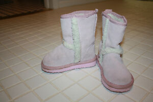 Please Mum size 7 toddler girls Sherpa boots