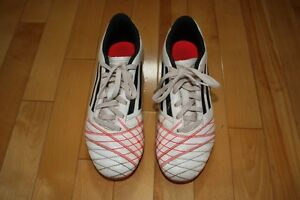 Girls Adidas Soccer Cleats Size 5