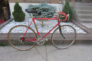 Velo/Bike Raleigh R100th 10 speed/23'' Frame.exellent condition.