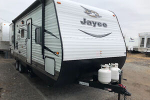2016 Jayco 267bhs bunk model with slide out $21,900