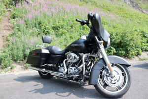 2011 Harley Davidson Street Glide - Denim Black