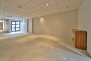 Amazing commercial space on St Denis for rent with terrace!