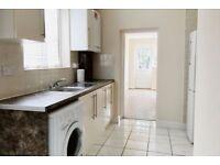 2 bedroom flat in Lowden Road, London, N98
