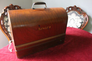 Singer Sewing Machine Model 99 With Key