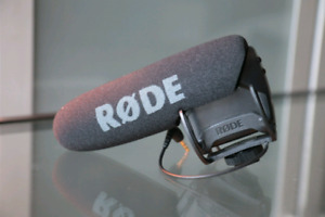Rode Videomic Pro - you guessed it, the cleanest one on Kijiji