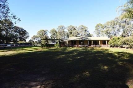 5 Acre Property in a Brilliant Location !!