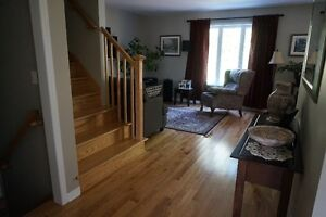 2014 Cottage on Wooded Lot West Island Greater Montréal image 3