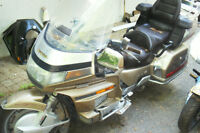 honda gl 1500 gold wing  1988 toutes equipper radio ,cb,reculons