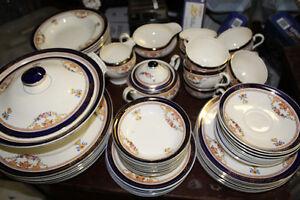Alfred Meakin BLEU DE ROI Dinnerware Set (ENGLAND)
