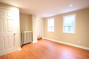 5BR Apartment in trendy Roncesvalles!