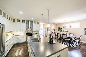 ONLY STEPS FROM MILL CREEK RAVINE!! 3000 sq ft FULLY FINISHED! Edmonton Edmonton Area image 4