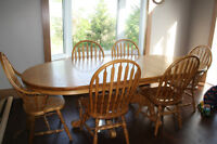 SOLID OAK Mennonite Made Table and Chair, Dining set