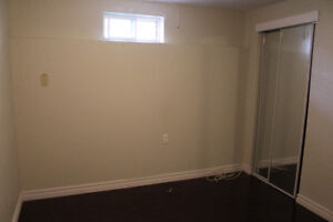 Room for rent,(preferred females only) Available March