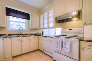 Beautiful Century Home in Great Cambridge Location Near 401! Cambridge Kitchener Area image 4