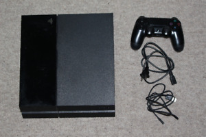Original PS4 for sale. $200 dollars, very well preserved.
