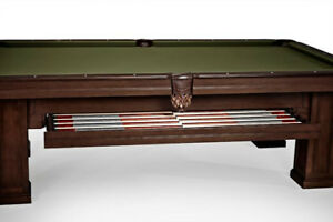 ****** OAKLAND POOL TABLE FOR SALE ******