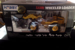 HOBBY 2.4 GHZ RC wheeled loader - NEW IN BOX