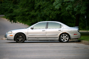 2003 Maxima SE 6spd (price reduced. Must sell this weekend)