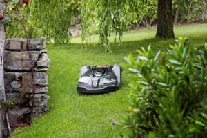 Self Mowing Lawns - Worlds #1 Robotic Mower - The Automower