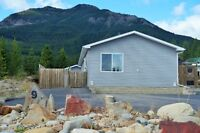 NEWER HOME FOR SALE IN ELKFORD BC
