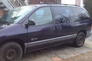 1997 Plymouth Voyager Fourgonnette, fourgon