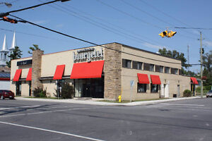 Commercial Building For Sale, Great Investment Opportunity!