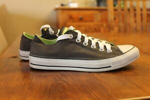 Women's Size 7 Converse All Stars