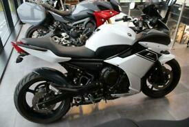 2013/13 YAMAHA XJ6 F DIVERSION IN WHITE - LOW MILEAGE FOR YEAR - 2 OWNERS
