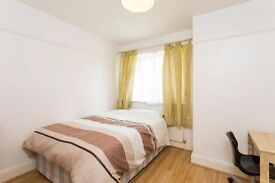 Short & Long let, Excellent condition Double room in a quiet, serviced house, all incl