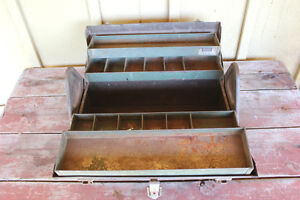 Old Kennedy Kits Style No. 1017 Metal Tool Box London Ontario image 3