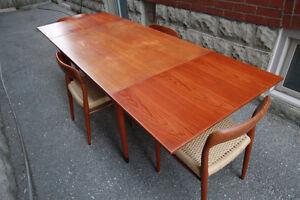 NIELS MOLLER - TEAK DINING TABLE Model #9 (Mid Century Modern)