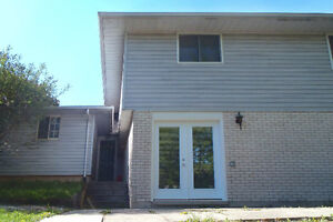 Renovated 2 Bedroom Walkout Unit available Nov 1 or 15, or Dec 1 Kitchener / Waterloo Kitchener Area image 2