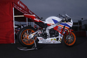 #1 plated Factory Honda Superbike.  CSBK Champion 2014 Kawartha Lakes Peterborough Area image 1