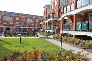 Available for Lease 2 Bed, 2 Bath Oakville Condo Townhouse $1650