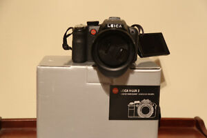PRICE REDUCED: Leica V-Lux 2 - 24x optical zoom