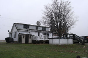 4 Bedroom Country Home With An Amazing Shop!! London Ontario image 2