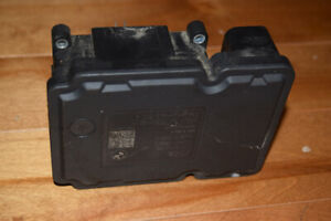 OEM BMW ABS Controller - Part#6775387