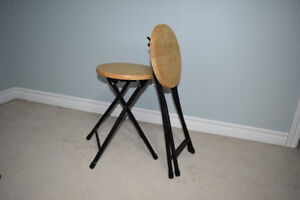 round stools tables $20 for both! UXBRIDGE AREA