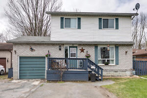 Lovely Family Home on Ravine Lot - 24 West St, Sutton