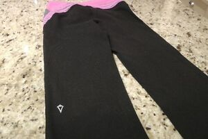 ivivva/Lululemon Size 6 Black Yoga Pant Kitchener / Waterloo Kitchener Area image 4