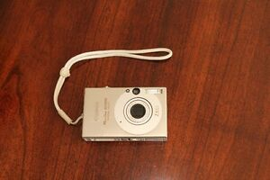 Canon PowerShot SD1000 Digital Camera