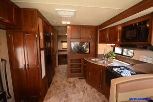 Contact for Clear Out Price* New 2016 Coachmen Pursuit 29SB London Ontario image 12