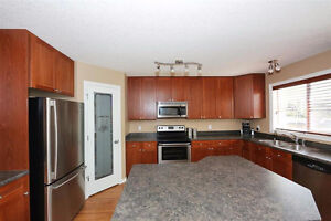 North Ridge - Beautiful 4Bed, 3.5 Bath home w/ Finished Bsmt!